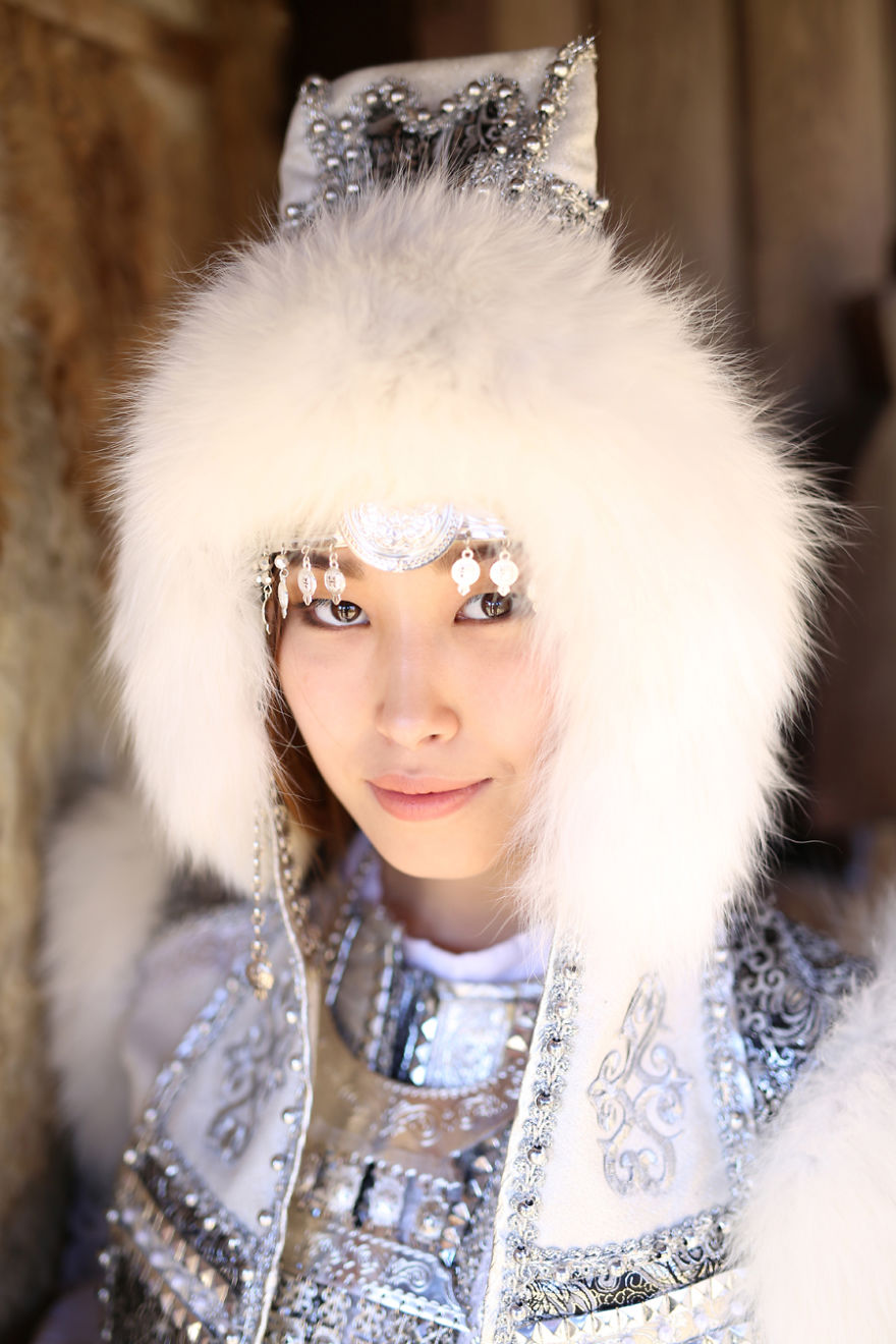 35-Portraits-Of-Amazing-Indigenous-People-of-Siberia-From-My-The-World-In-Faces-Project-5947694643a77__880