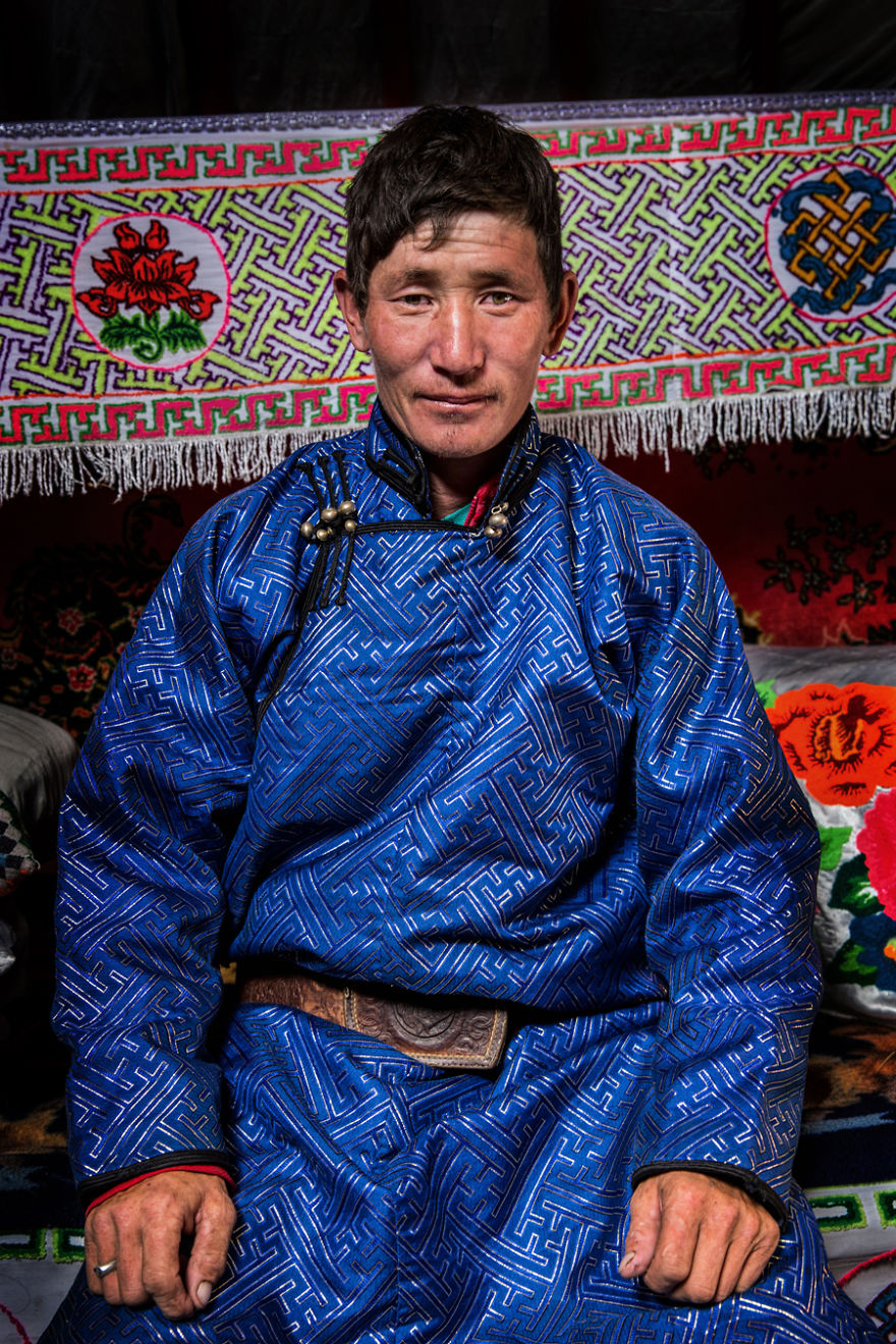 35-Portraits-Of-Amazing-Indigenous-People-of-Siberia-From-My-The-World-In-Faces-Project-594769950963f__880