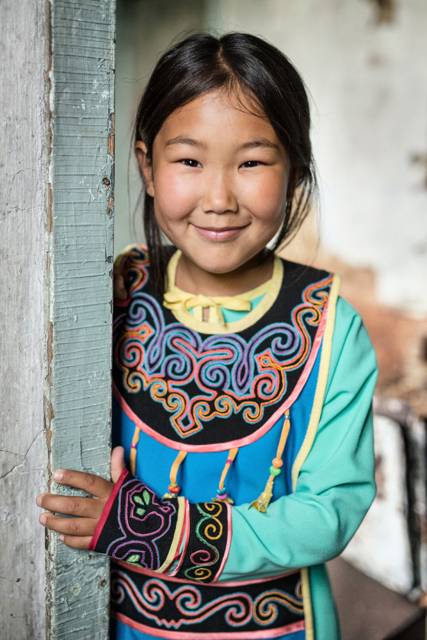 35-Portraits-Of-Amazing-Indigenous-People-of-Siberia-From-My-The-World-In-Faces-Project-594769d0d5d67__880