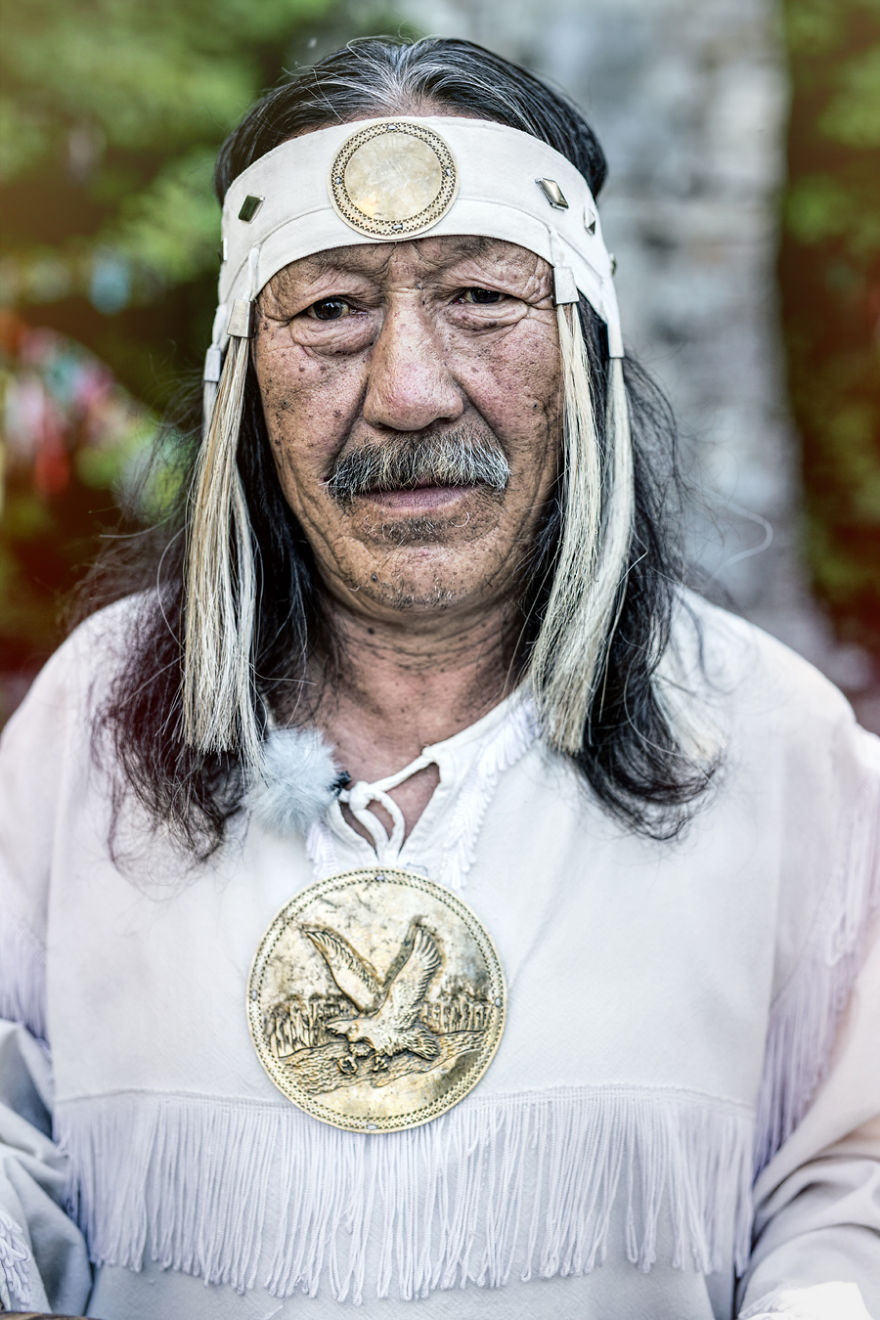 35-Portraits-Of-Amazing-Indigenous-People-of-Siberia-From-My-The-World-In-Faces-Project-59476e6e6e068__880