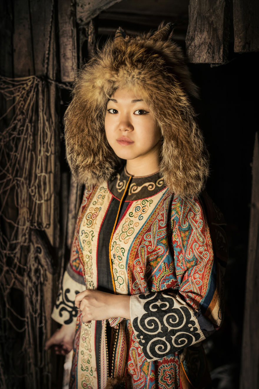 35-Portraits-Of-Amazing-Indigenous-People-of-Siberia-From-My-The-World-In-Faces-Project-59476ed28cfd6__880