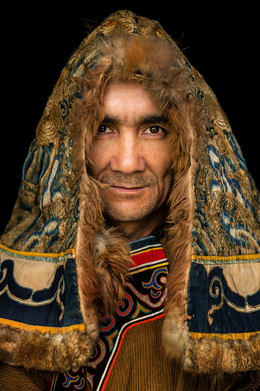 35-Portraits-Of-Amazing-Indigenous-People-of-Siberia-From-My-The-World-In-Faces-Project-5947895c74425__880
