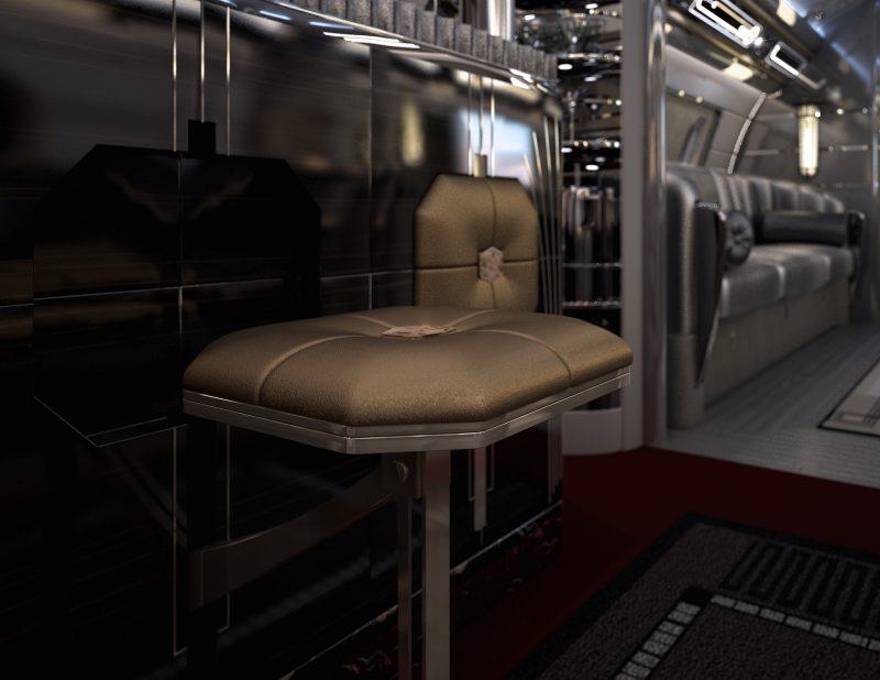 از جمله می توان به صندلی های طلایی رنگ