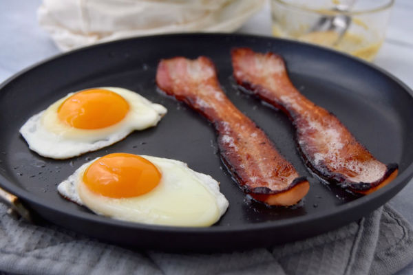 Bacon-and-Eggs-uprootkitchen.com_-w600