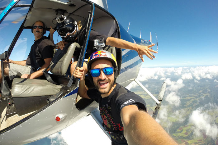 Base-Jumping-Selfie-w700