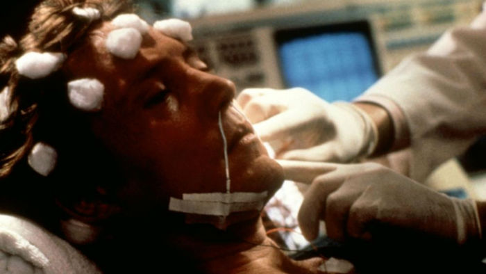 Communion-1989-film-images-564603f2-ab3f-4046-b517-8ebdaca925d-w700