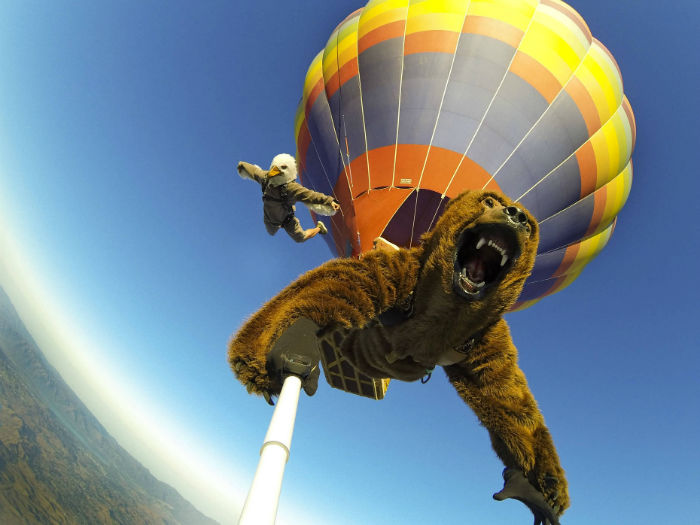 Hot-Air-Balloon-Jump-Selfie-w700