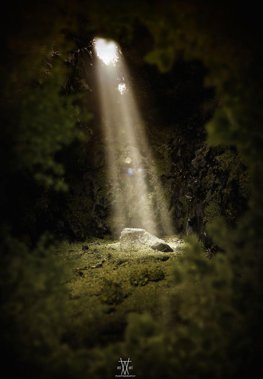 نام اثر: پایان تاریکی