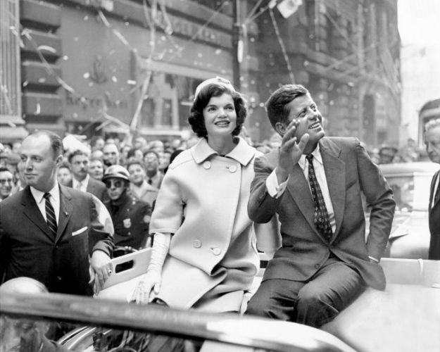 John-F-Kennedy-Jackie-Kennedy-NYC-Broadway-Ticker-Tape-Parade-w700
