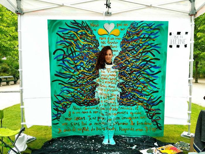 Making-Fete-de-lIris-Peinture-Visages-Flesh-and-Acrylic-Ben-Heine-Art-Live-Performance-3-5936c96bf2db2__880-w700