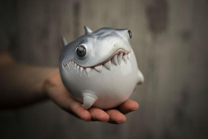 Shark1-593534639966d__880-w700