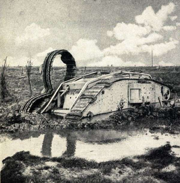 Tank_bogged_close_to_St_Julien_after_a_hopeless_attempt_to_cross_a_sea_of_mud