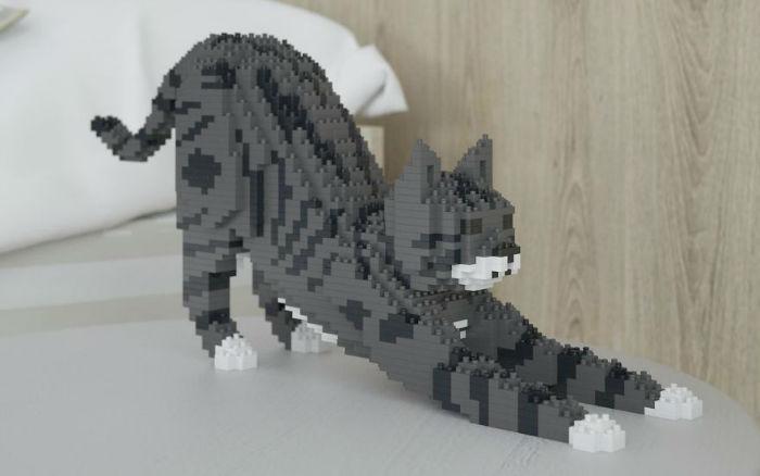 animal-lego-sculptures-jekca-hong-kong-13-593a4b512d8d0__880-w700