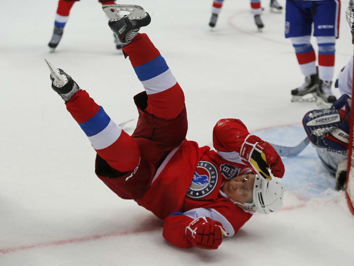 as-usa-today-reported-putins-opponents-and-teammates-alike-tend-to-give-him-quite-a-bit-of-space-during-the-games-w700