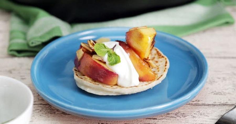 پنکیک میوه ای با عطر نارگیل