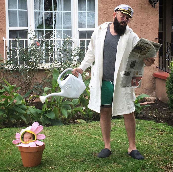 father-dress-up-baby-daughter-costumes-sholom-ber-solomon-4-594d1841e17b5__700-w750