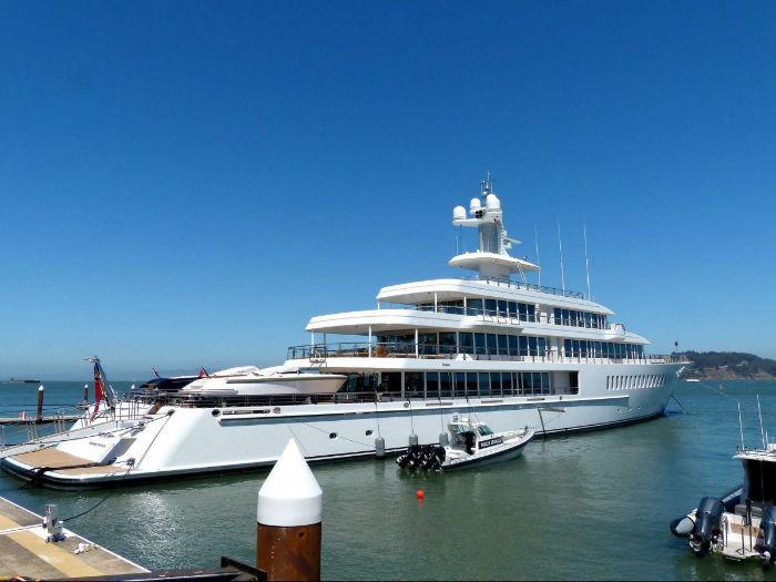 larry-ellisons-yacht-w700