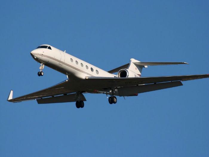 mark-cubans-planes-w700