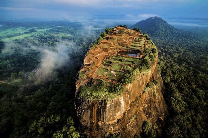 سریگیا بزرگ - سری لانکا (طبیعت - فینالیست)