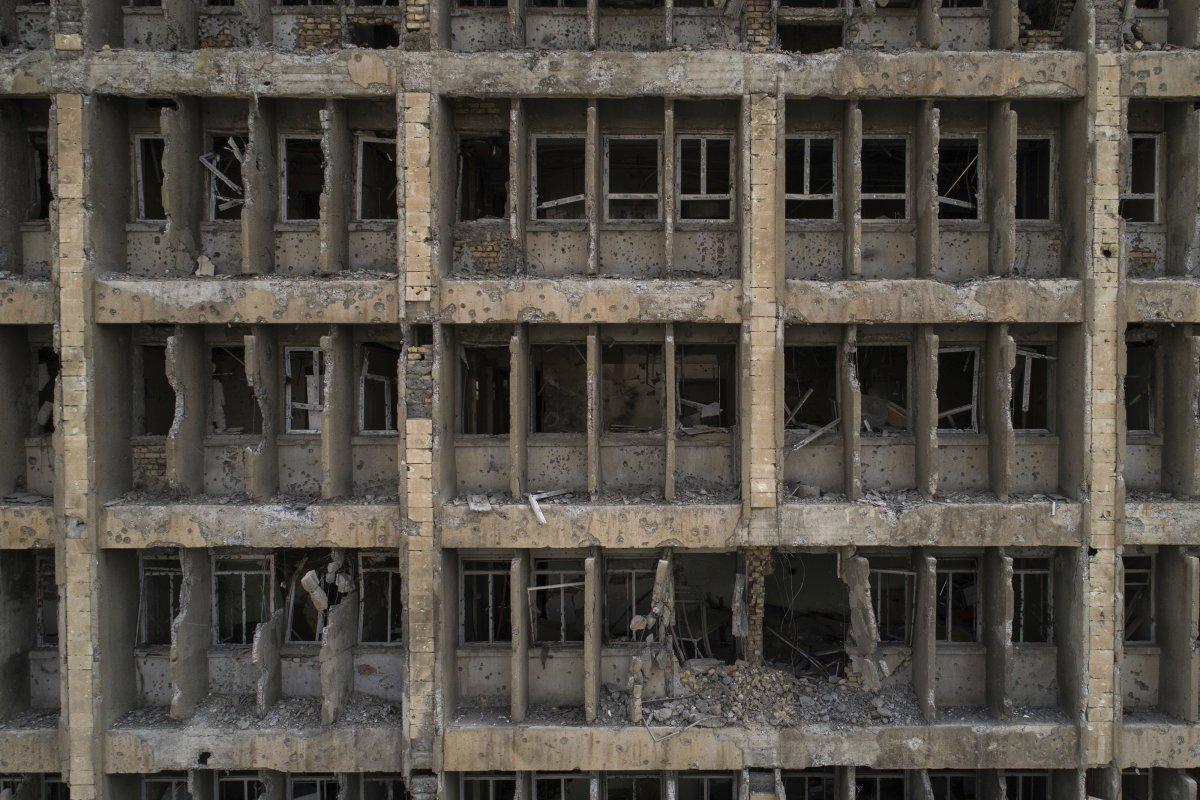 گفته می شود بازسازی و تعمیر خرابه های شهر موصل حدود 1 میلیارد دلار هزینه خواهد داشت. در این تصور شاهد بیمارستان اصلی شهر موصل هستید که توسط داعش به خرابه بدل گشته است.