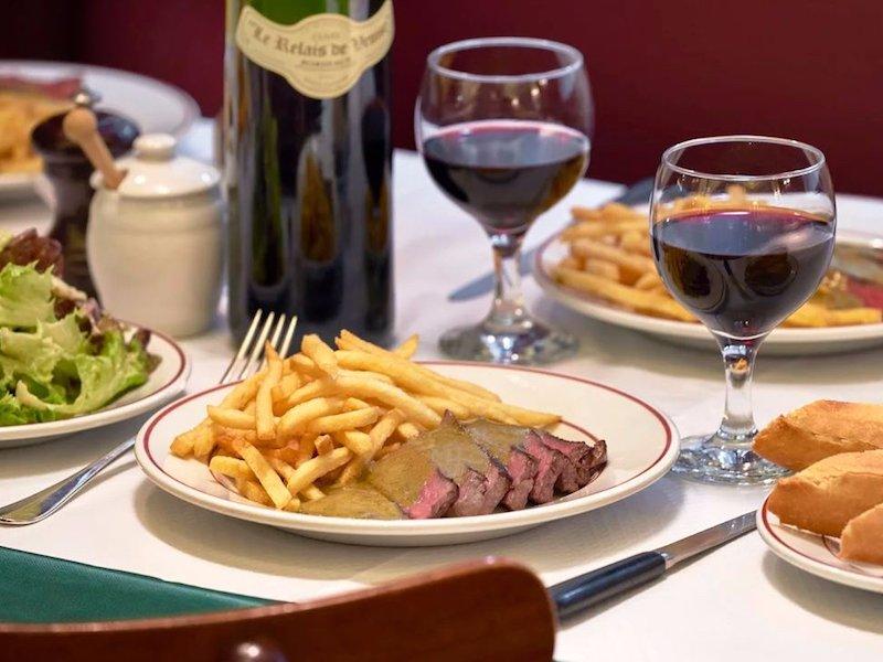 رستوران: Le Relais de l'Entrecote به نشانی: پاریس، خیابان 75008، خیابان رو ماربوف شماره 15