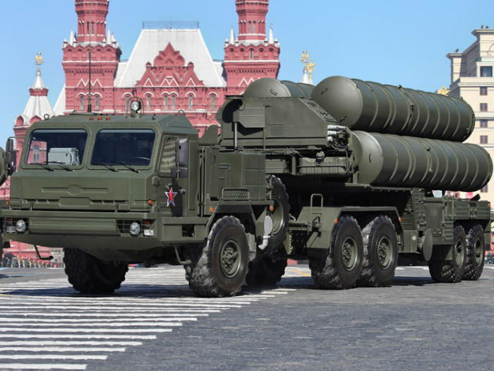 2013_Moscow_Victory_Day_Parade_38-w700