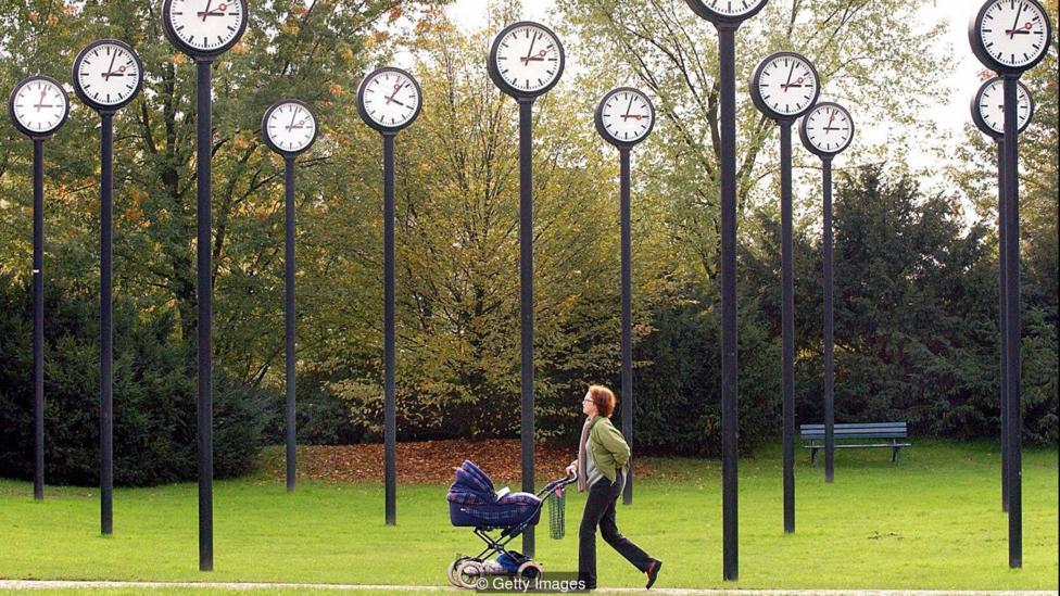 A walk in Dusseldorf's Clock Park