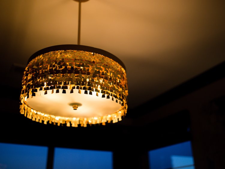 در خانه به منبع نوری بیشتر از یک لامپ نیاز دارید.