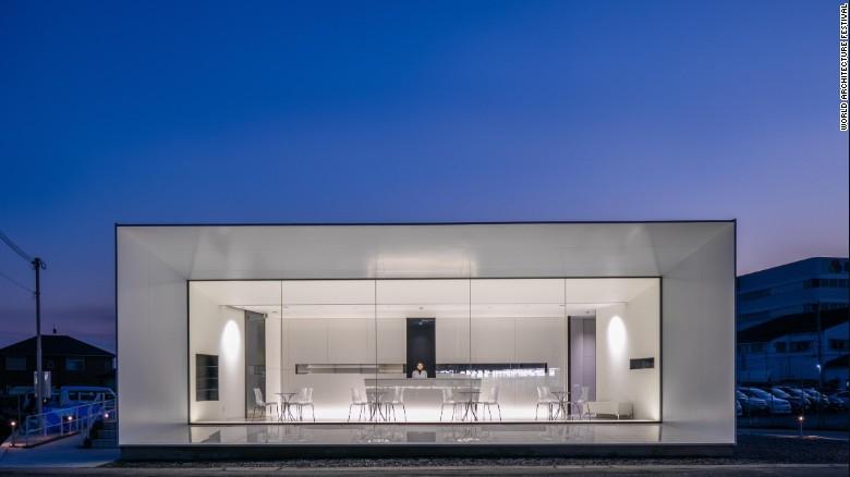 این بنا توسط موسسه هنری ماتسویا با همکاری KTX archILAB ساخته شده است و طراحی کاملا مینیمالیستی با رنگ سفید و تاکیدهای کوچک سیاه رنگ دارد. هدف از این طرح، این بوده که مشتری ها مراقبت های پزشکی پیشرفته ای که انتظار دارند را از فضای داخلی ساختمان حس کنند.