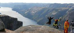 بیس جامپینگ بسیار هیجان انگیز در ارتفاعات بی نظیر نروژ [تماشا کنید]
