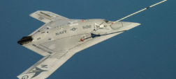 X-47B_receiving_fuel_from_a_707_tanker_while_operating_in_the_Atlantic_Test_Ranges-w700