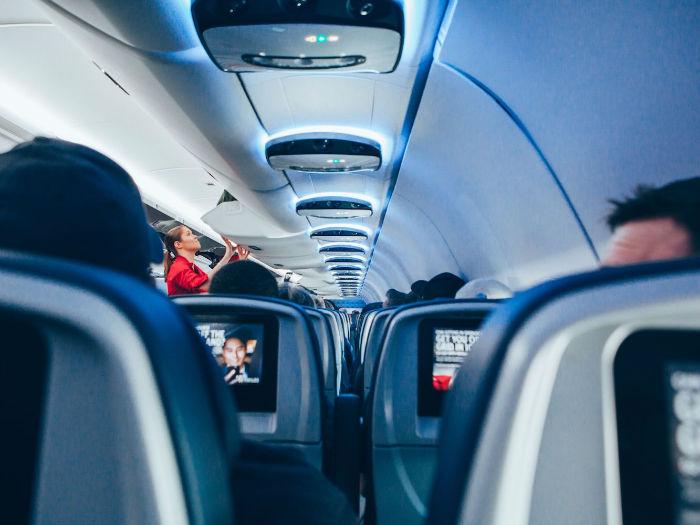 airplane cabin-w700 , سرد بودن داخل هواپیما