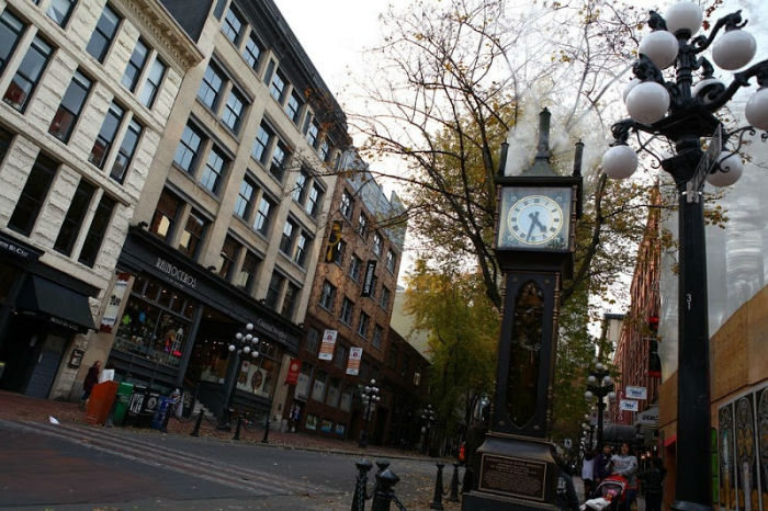 gastown-steam-clock-32-w700