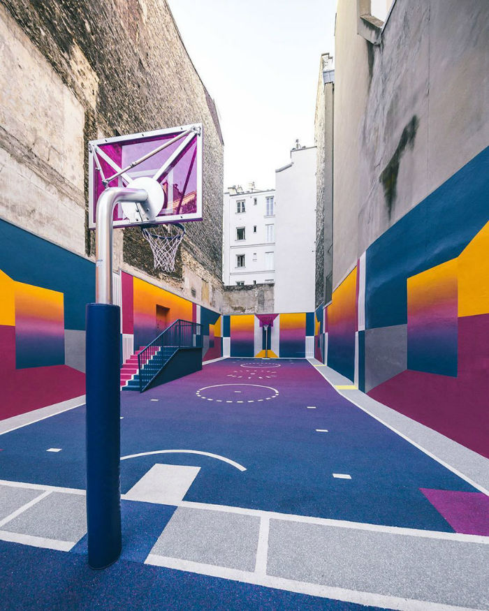 neon-color-basketball-court-pigalle-ill-studio-paris-1-59539e42db397__880-w700