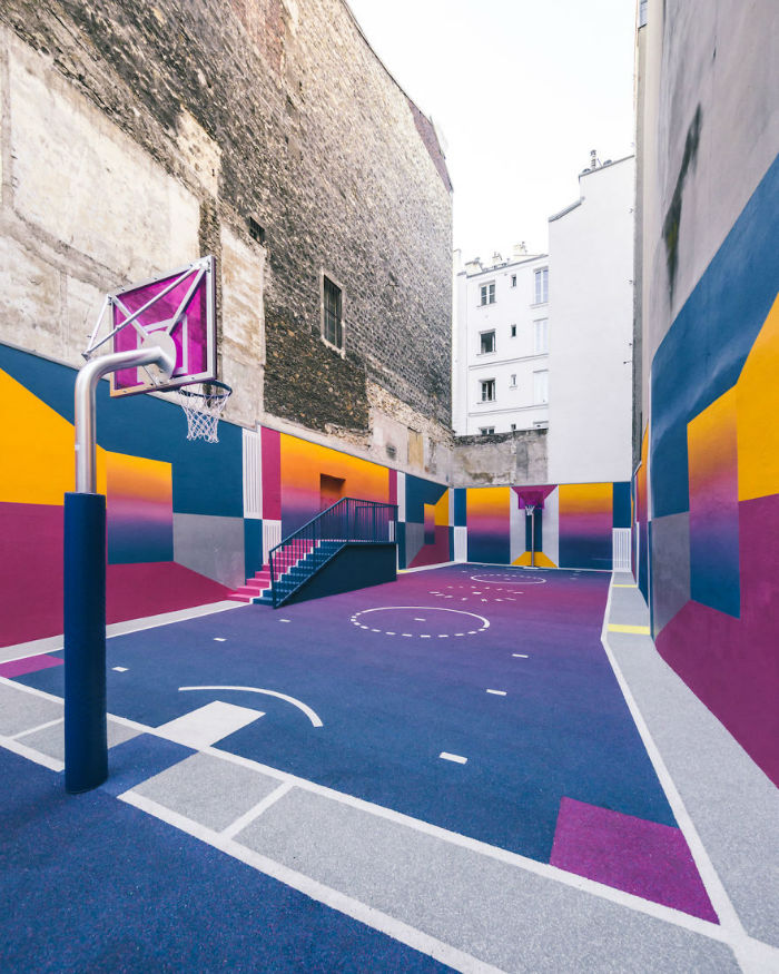 neon-color-basketball-court-pigalle-ill-studio-paris-15-59539e797f4f4__880-w700