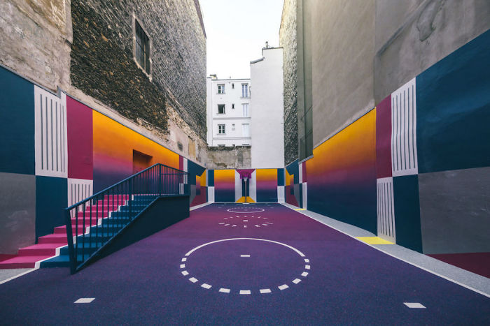 neon-color-basketball-court-pigalle-ill-studio-paris-2-59539e45ed000__880-w700