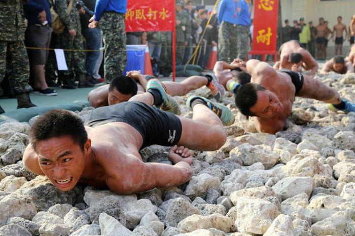دردناک ترین و دیوانه وار ترین آموزش های نظامی در میان ارتش های جهان [قسمت اول]