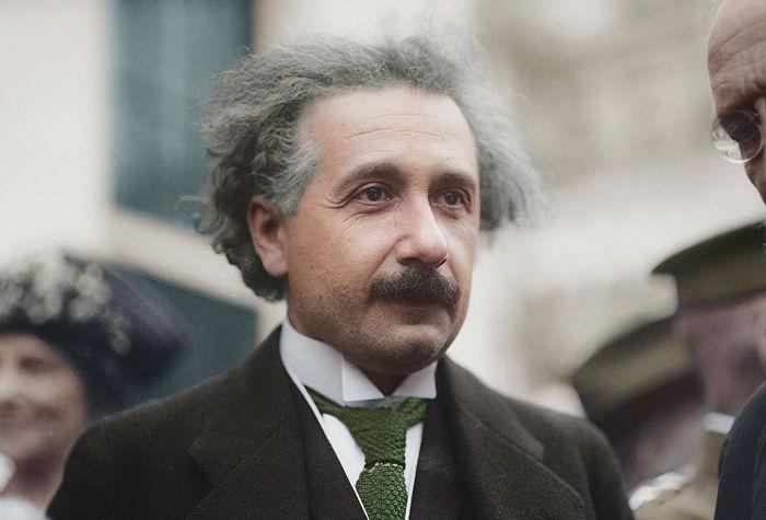 چند نکته جالب در مورد آلبرت انیشتین، نابغه فیزیک و ریاضی