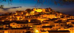 کاندلا؛ شهری در ایتالیا که برای سکونت در آن پول دریافت خواهید کرد