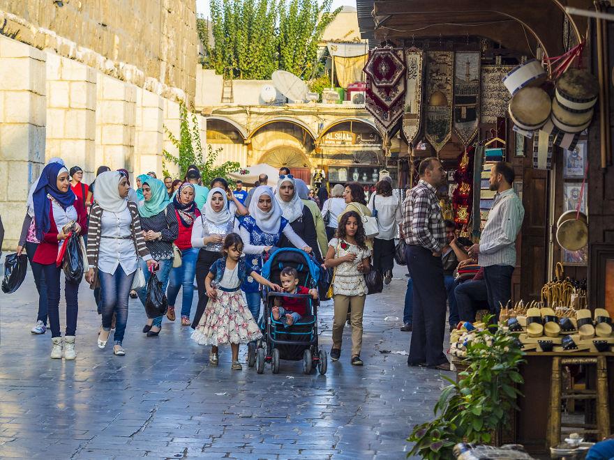 7 2 - زندگی عادی مردم سوریه در دل جنگ های داخلی + عکس