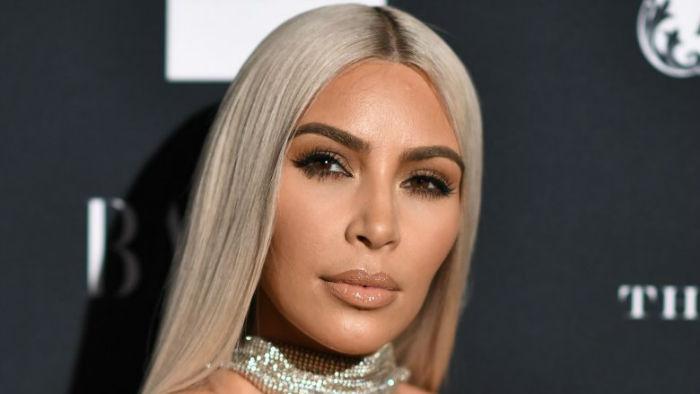 kim kardashian 1506309483 w700 - سلبریتی هایی که بخش زیادی از ثروت خود را صرف جراحی زیبایی کرده اند
