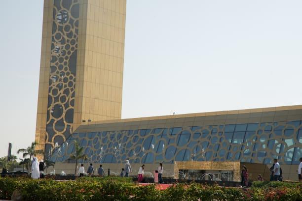 «قاب دبی»؛ ابر سازه جنجالی امارات افتتاح شد