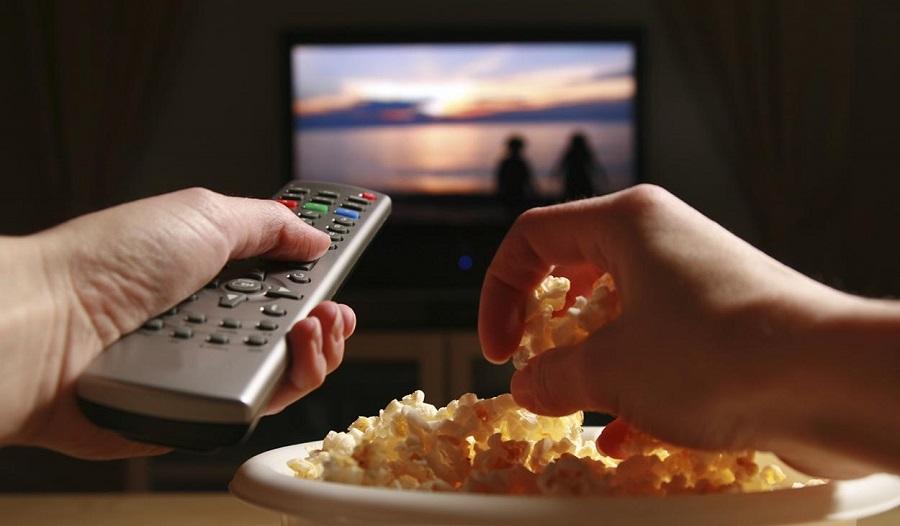 Hablando de tendencias quedarse en casao salir de fiesta - حقیقتی که اگر می دانستید دیگر به کنترل تلویزیون دست نمی زدید