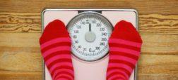 پنج دلیل روانشناختی برای آنکه با وجود رژیم و ورزش وزن کم نمیکنیم