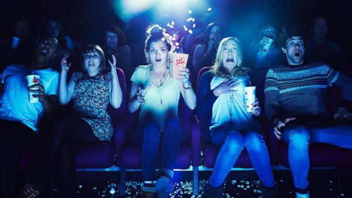 هنگام تماشای فیلم ترسناک چه اتفاقاتی در بدن شما رخ می دهد؟