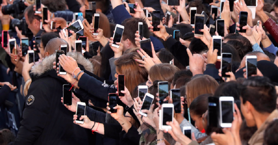 موبایل، مقصر اول و آخر غمگینی و افسردگی مردم جهاناست