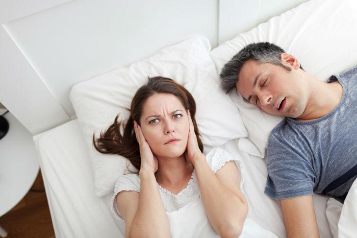 صحبت کردن در خواب چیست و چگونه می توان آن را متوقف کرد؟ - روزیاتو