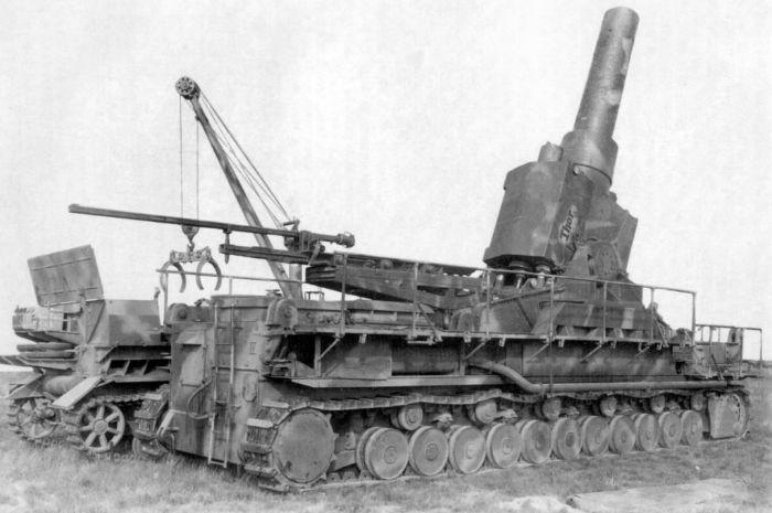 KarlMorserIVThor 1024x680 w700 روزیاتو: ۱۰ سلاح عجیب و غریبی که در دوران جنگ جهانی دوم ساخته شدند اخبار IT