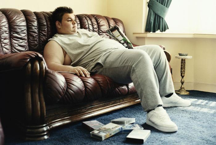۱۰ بلایی که ۸ ساعت نشستن هر روزه در محل کار یا خانه بر سر بدن شما خواهد آورد