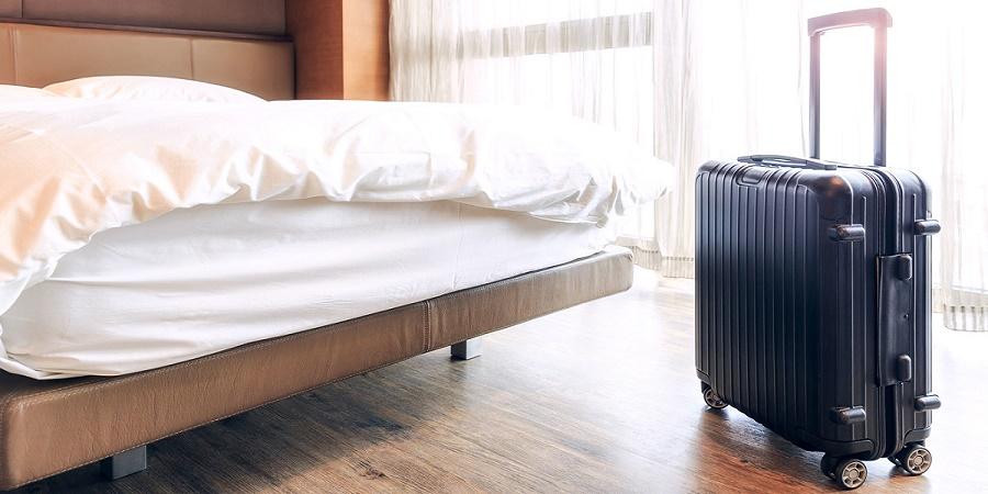 عجیب ترین وسایلی که مسافران اروپایی از اتاق هتل ها می دزدند
